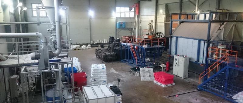 производство пластиковых изделий, пластиковые дорожные барьеры, строительные мусоросбросы