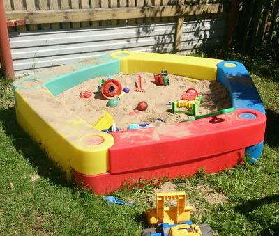 пластиковая детская песочница