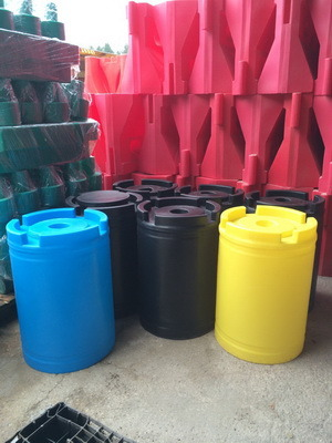 пластиковая емкость, бак для воды, бочка для дизельного топлива