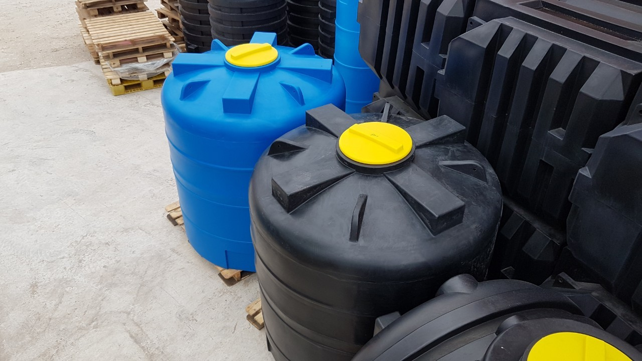 Емкость пластиковая вертикальная цилиндрическая V3100