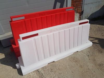 Вкладывающийся дорожный пластиковый барьер (водоналивной блок) 2.0м